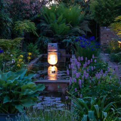 wpid10366-Field-House-Garden-in-May-GFIE031-nicola-stocken.jpg