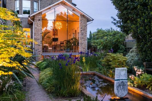wpid10370-Field-House-Garden-in-May-GFIE033-nicola-stocken.jpg