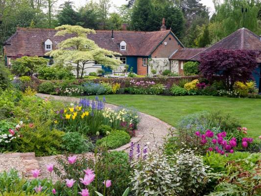 wpid10505-Garden-Lodge-in-Spring-GGLO052-nicola-stocken.jpg