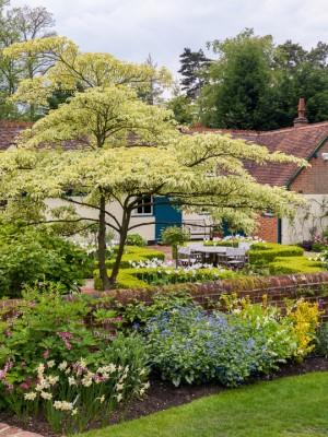 wpid10511-Garden-Lodge-in-Spring-GGLO055-nicola-stocken.jpg