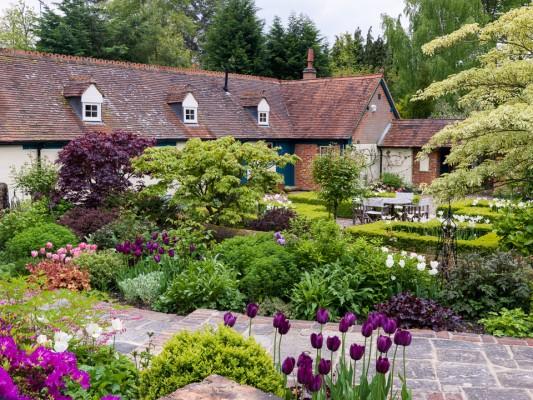 wpid10515-Garden-Lodge-in-Spring-GGLO058-nicola-stocken.jpg