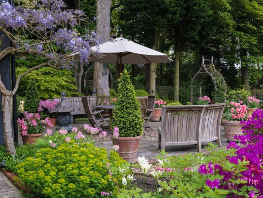 wpid10521-Garden-Lodge-in-Spring-GGLO063-nicola-stocken.jpg