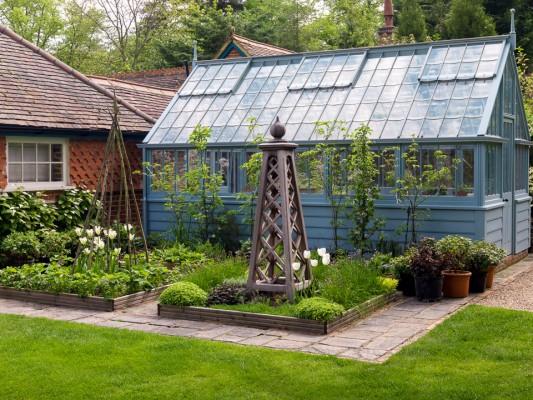 wpid10527-Garden-Lodge-in-Spring-GGLO066-nicola-stocken.jpg
