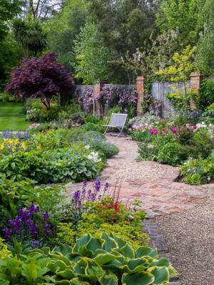 wpid10531-Garden-Lodge-in-Spring-GGLO068-nicola-stocken.jpg