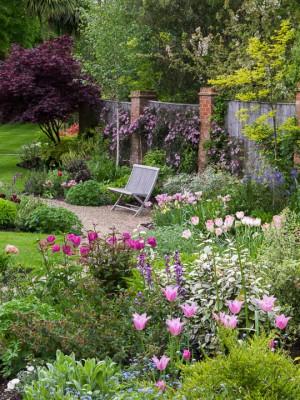 wpid10533-Garden-Lodge-in-Spring-GGLO069-nicola-stocken.jpg