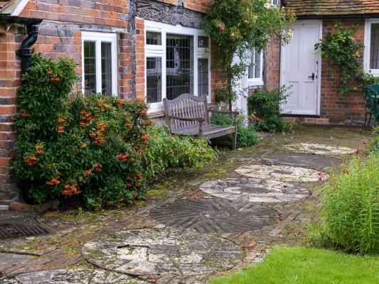 wpid11005-Old-Mill-House-in-September-GOLM041-nicola-stocken.jpg