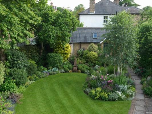 wpid11057-Perfect-Lawns-GVIN005-nicola-stocken.jpg