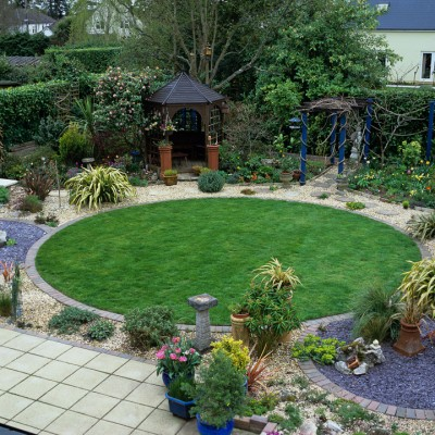 wpid11119-Perfect-Lawns-DTOW130-nicola-stocken.jpg