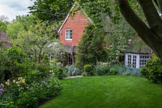 wpid11181-Quarry-Cottage-in-May-GQUA005-nicola-stocken.jpg