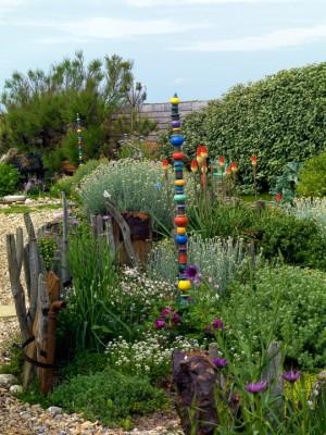 wpid11445-A-Seaside-Garden-in-June-GSOL027-nicola-stocken.jpg