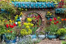 Thumbnail image for St Regis Close in April