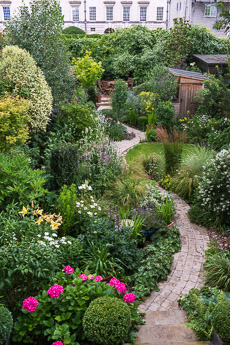 Thumbnail image for Woodbines Avenue Garden in August