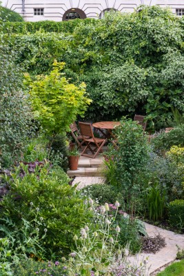 wpid12053-Woodbines-Avenue-Garden-in-August-GWDB008-nicola-stocken.jpg