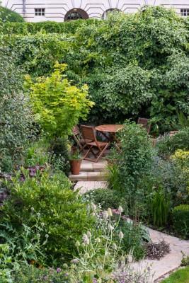 wpid12053-Woodbines-Avenue-Garden-in-August-GWDB008-nicola-stocken.jpg