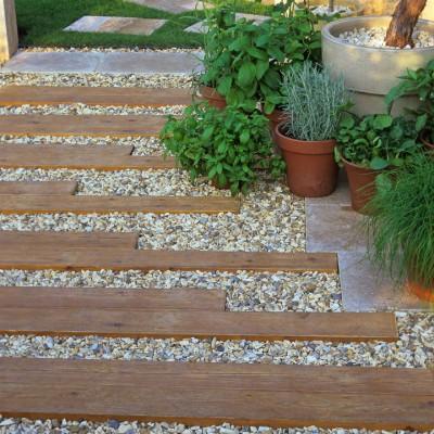 wpid9875-Up-The-Garden-Path-AFLO114-nicola-stocken.jpg