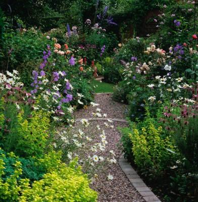 wpid9889-Up-The-Garden-Path-FBED056-nicola-stocken.jpg