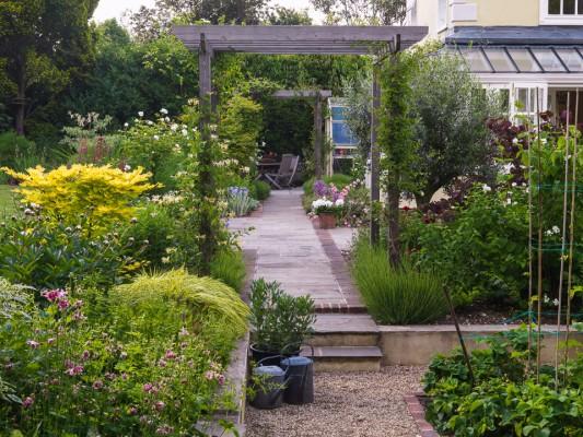 wpid9897-Up-The-Garden-Path-GBUD006-nicola-stocken.jpg