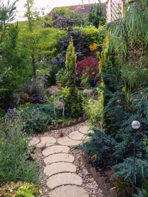 wpid9907-Up-The-Garden-Path-GBUW014-nicola-stocken.jpg