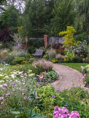 wpid9933-Up-The-Garden-Path-GGLO043-nicola-stocken.jpg