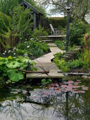 wpid9945-Up-The-Garden-Path-GONE026-nicola-stocken.jpg