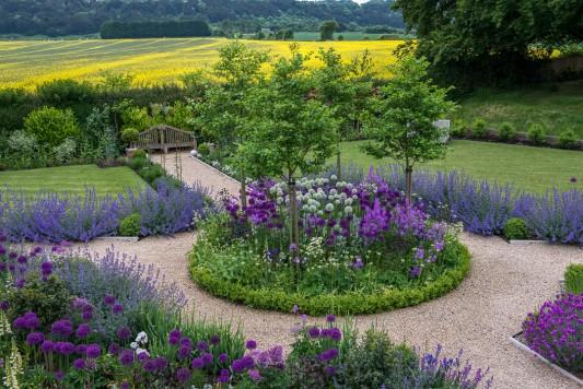 wpid9947-Up-The-Garden-Path-GORD060-nicola-stocken.jpg