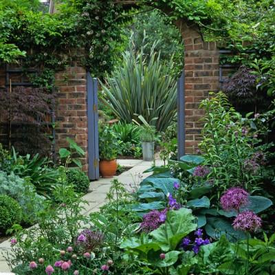 wpid9981-Garden-Rooms-with-a-View-AGAT012-nicola-stocken.jpg