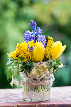 Thumbnail image for Posies & Decorative Jars Step-by-Step