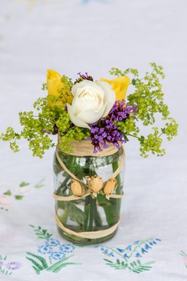wpid12701-Posies-and-Decorative-Jars-Step-by-Step-QPOS548-nicola-stocken.jpg