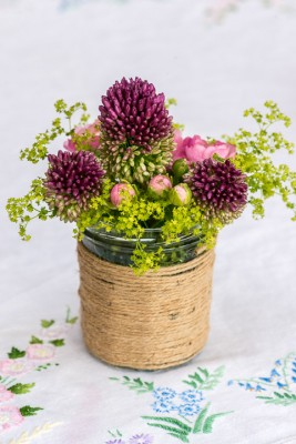 wpid12703-Posies-and-Decorative-Jars-Step-by-Step-QPOS549-nicola-stocken.jpg