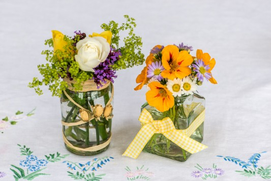wpid12705-Posies-and-Decorative-Jars-Step-by-Step-QPOS550-nicola-stocken.jpg