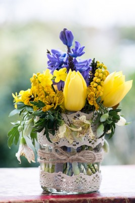 wpid12711-Posies-and-Decorative-Jars-Step-by-Step-QPOS553-nicola-stocken.jpg