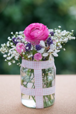 wpid12719-Posies-and-Decorative-Jars-Step-by-Step-QPOS560-nicola-stocken.jpg