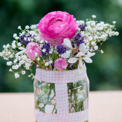 wpid12721-Posies-and-Decorative-Jars-Step-by-Step-QPOS561-nicola-stocken.jpg