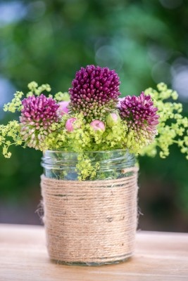 wpid12723-Posies-and-Decorative-Jars-Step-by-Step-QPOS563-nicola-stocken.jpg
