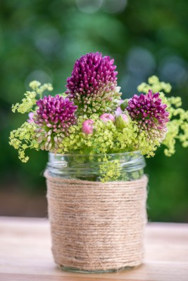 wpid12725-Posies-and-Decorative-Jars-Step-by-Step-QPOS564-nicola-stocken.jpg