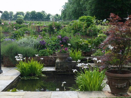 wpid13237-Water-Features-for-Gardens-GSWA124-nicola-stocken.jpg