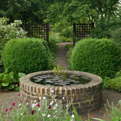 wpid13247-Water-Features-for-Gardens-GTER023-nicola-stocken.jpg
