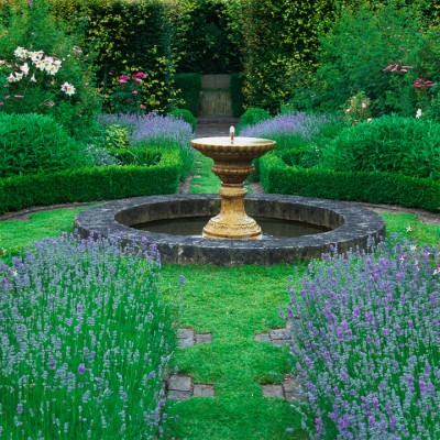wpid13259-Water-Features-for-Gardens-GCLI033-nicola-stocken.jpg