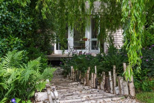 wpid13294-A-Family-Town-Garden-GGLN024-nicola-stocken.jpg