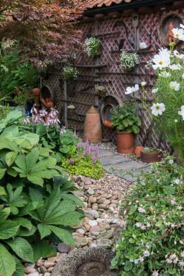 wpid15901-Waterhouse-Lane-in-August-GWAE011-nicola-stocken.jpg