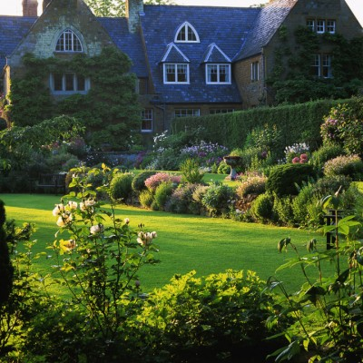 wpid16301-Summer-at-Coton-Manor-GCOT006-nicola-stocken.jpg