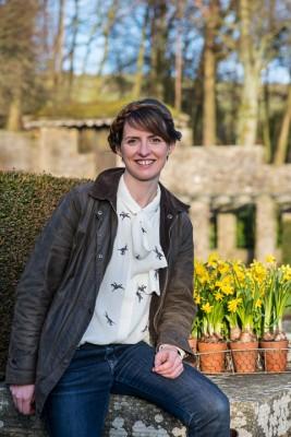 wpid17020-Garden-Designer-Katie-Rushworth-GKAT005-nicola-stocken.jpg