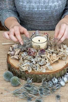 wpid17691-Christmas-Table-Decoration-QCRA184-nicola-stocken.jpg