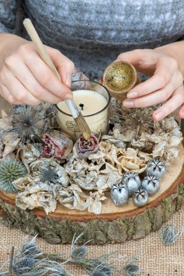 wpid17697-Christmas-Table-Decoration-QCRA188-nicola-stocken.jpg