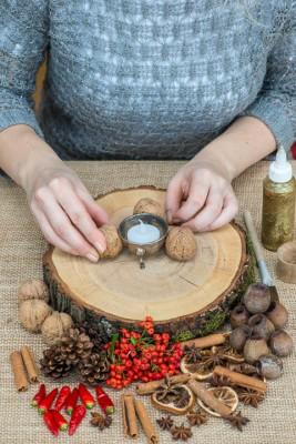 wpid17715-Christmas-Table-Decoration-QCRA200-nicola-stocken.jpg