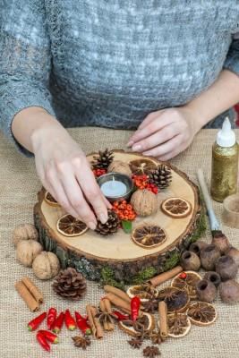 wpid17721-Christmas-Table-Decoration-QCRA203-nicola-stocken.jpg