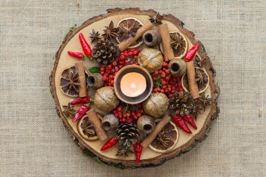 wpid17735-Christmas-Table-Decoration-QCRA210-nicola-stocken.jpg