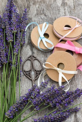 wpid17773-Lavender-Wand-Making-QCRA081-nicola-stocken.jpg