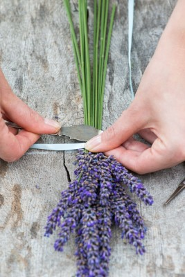 wpid17781-Lavender-Wand-Making-QCRA085-nicola-stocken.jpg