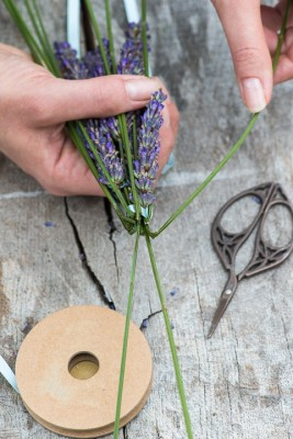wpid17783-Lavender-Wand-Making-QCRA086-nicola-stocken.jpg